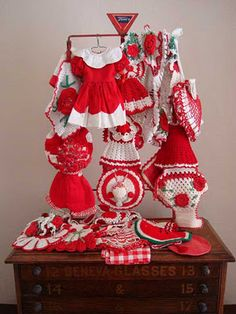 Vintage red and white crocheted items - so cute!