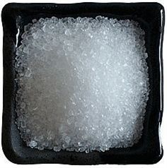 Remember for Spring ~ Add 2 tablespoons of Epsom salt to a gallon of water and spray your lawn for a lusher, greener lawn.  Epsom salt is loaded with magnesium! - Click image to find more Home Decor Pinterest pins