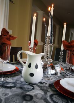 A spooky tablescape...DIY ghost pitcher #Halloween