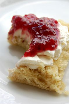 scone w/ jam and cream cheese