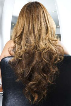 I love the reverse ombré look - can't wait to do it to my hair: brown to darker brown!