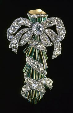 THE ROMANOVS JEWELRY ~ This is a PORTBUKET, made of diamonds, gold, silver, enamel, from 1770s.  Portbuket was attached to a bodice using wide studs. Hollow on the inside, it served as a miniature vase for flowers. The Diamond Fund, Moscow Kremlin