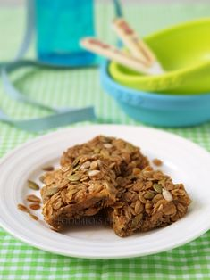 Apple flapjacks - 40 easy tray bake recipes