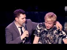 Mom convinces Michael Bublé to let her 15-year old son sing with him. His reaction to the kid is priceless!!
