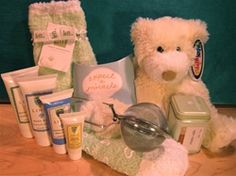 Comfort Gift Package - The Pampered Patient - Gifts for Cancer Patients http://www.thepamperedpatient.com/Gift_Package_for_Cancer_Patients_p/pkg-1012.htm