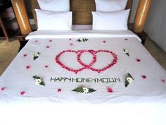 The resort decorated the bed! :D