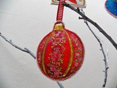 Felt tree ornaments (video)