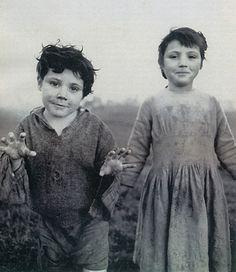 "Alen MacWeeney, ""Irish Travelers, Tinkers No More"""