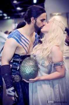 games, eggs, halloween costumes, daenerys targaryen, dragons, costume ideas, couple costumes, throne cosplay, game of thrones