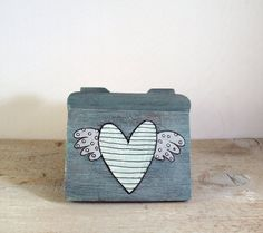 http://www.etsy.com/listing/90429185/shabby-valentines-gift-box-chest-mint?ref=tre-2070432409-2    http://www.etsy.com/treasury/MTMxOTg3NTJ8MjA3MDQzMjQwOQ/in-love-with-love?index=2713