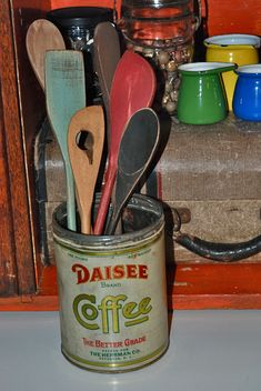 Dollar Store Spoons Turned Primitive Kitchen Decor / Painted & grunged