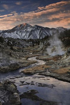 Hot Creek and Mammoth Mountain, Mammoth Lakes, California  (by Taylor Baskin on flickr)