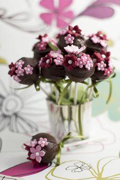 chocolate cake pop pink flower
