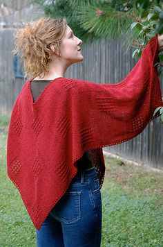This was made with a small pin loom like Zoom Loom or weave-ettes. Free pattern here