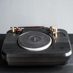 Oswalds Mill Audio - Tourmaline Turntable - www.remix-numerisation.fr