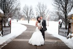 Pittsburgh Winter Wedding | Christmas Winter Wedding | Winter Wedding with Snow | by: Francine Smith, TimeSmart Images