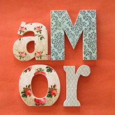 Letras de madeira decoradas