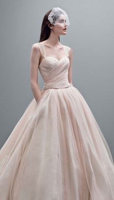 Perfect ball gown wedding dress - so simple and elegant VW White - love this - http://www.boomerinas.com/2014/10/17/woodland-wedding-dresses-ideas-for-wedding-2-or-3-or-4-or-whatever/