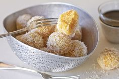 Apricot Balls: •1 cup of dried apricots (200 g.) •3/4 cup of shredded sweetened coconut •3 tablespoons of sweetened condensed milk (more as needed) •rind of an orange or 1 tsp of orange blossom water  •extra coconut for dipping balls into (about 1/2 cup) or ground pistachios Desserts, Glorious Food, Fun Food, Food Glorious, Christmas Cookies, Arabic Food, Apricot Ball, Cookies Exchange, Dessert Recipe Iraqi