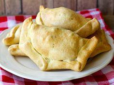 Empanadas de Pino Chilenas -carne molida con cebolla, aceitunas de azapa, huevo duro, pasas,etc.