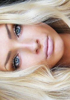 Love the nude makeup & blonde hair.
