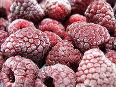 healthy summer, fruit, weight, clean eating, freezing food, healthy foods, frozen foods, raspberries, summer snacks