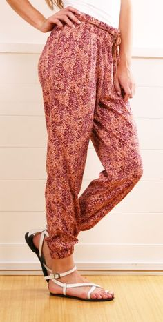 I love these pants! They look so comfy.
