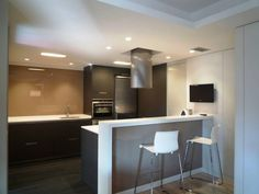 Cocinass on pinterest modern kitchens home decor - Barra cocina silestone ...