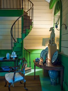 vibrant green paint in Furlow Gatewood home - photo: Paul Costello