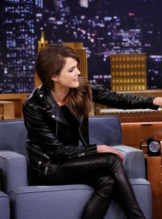 ♕ [ Keri #Russell ] ★ #Leather ★ appearance on The Tonight Show Starring Jimmy Fallon leather fake, keri russell, star jimmi, leathercuir fashion, glam rock, rock fashion, fashion bitch