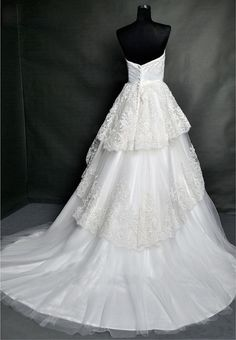 Vintage Lace Wedding Dress Bridal Gown Strapless by wonderxue, $307.00