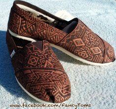 tribal tom, white shoes, fashion, painted toms, tom shoes, colors, tribal print, painted shoes, prints