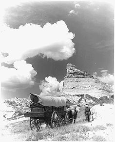 On May 22, 1843, the first major wagon train headed for the American Northwest sets out with one thousand pioneers from Elm Grove, Missouri on the Oregon Trail.