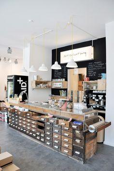 Unterhaltung Lieblingsstücke - Mode, Design, Café - Lehmweg 34, Hamburg cafe shop, hamburg cafe, cafe interiors, cafe counter, coffee counter, cafe design, cafes design, coffee shop counters, chest of drawers