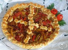 Crostata salata con tonno e peperoni