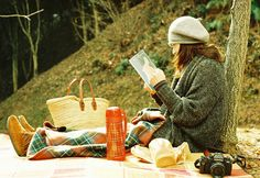 A SOLO fall picnic for mmmmeeee!!......