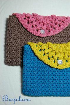 Pochettes crochetées en Natura just cotton DMC par Barjolaine pour Abracadacraft