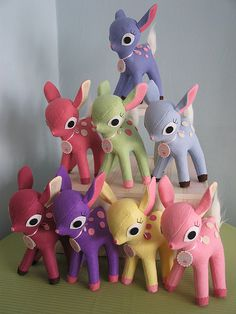 how cute!  a pyramid of deerys