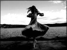 http://fc00.deviantart.net/fs32/f/2008/190/e/a/Ballet_by_Phreik.jpg