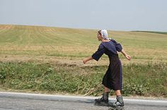 Amish rollerskating - have seen this many times