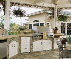 Awesome outdoor kitchen.