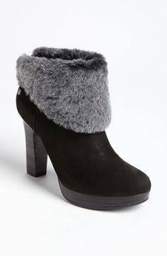Looks comfy for the winter. Maybe change the boots to gray? Still cute.http://uggboots.at.vc