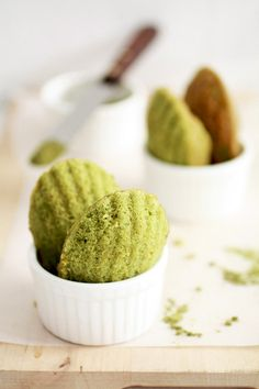 matcha madeleines; tested with 120gr of a gluten-free flour mix = perfect