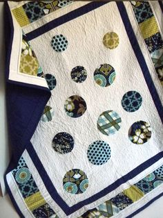 Navy Blue and White Circle Baby Girl Quilt by SWDesignsBaby, $115.00