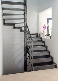 Escaleras by ferndezg on pinterest stairs abandoned and metals - Rampe escalier cable acier ...