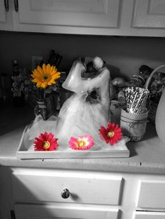 Adorable Bride and Groom ice sculpture