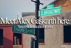 Meet Alex Gaskarth on Thames St.