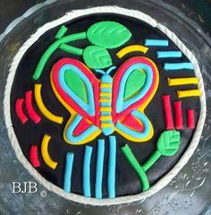 Panamanian mola inspired cake decoration.