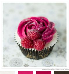 A beautiful cupcake by by Alma of Objetivo: Cupcake Perfecto | shared on  creature comforts blog