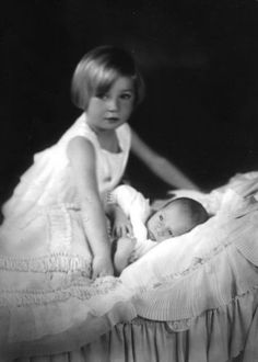Princesse Joséphine Charlotte (1927-2005) et son frère Baudouin (1930-1993) enfants du prince héritier Léopold et de la princesse Astrid